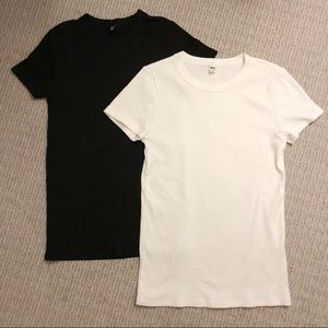 Ribbed Uniqlo T-shirts